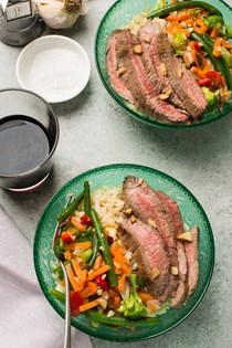 Garlicky steak and veggie bowls