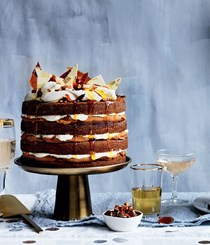 Ginger whisky cake with burnt white chocolate cream