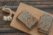 Gluten-free cauliflower & linseed (flax) bread