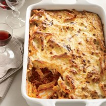 Greek baked pasta (Pastitsio)
