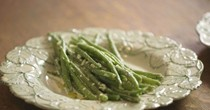 Green bean salad with shallots and cream