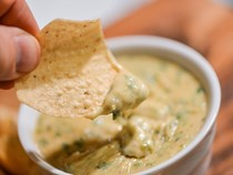 Green chili queso dip