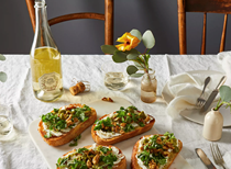 Grilled bread with goat cheese & green olives