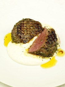 Grilled filet mignon with horseradish sauce
