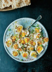 Hassan's easy eggs with za'atar and lemon