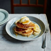 Help the honeybee spelt sourdough pancakes