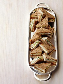 Herbed goat cheese sandwiches
