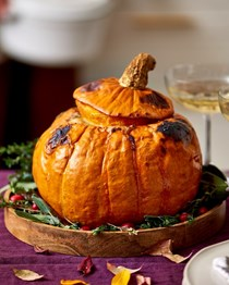 How to make a vegetarian stuffed pumpkin masterpiece