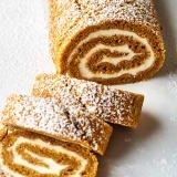 How to make an easy, foolproof pumpkin roll