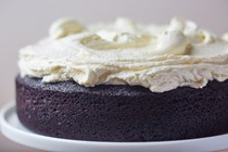 How to make dark chocolate Guinness cake with cream cheese frosting