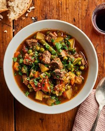 How to make hearty vegetable beef soup