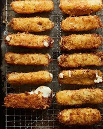 How to make mozzarella sticks without a recipe
