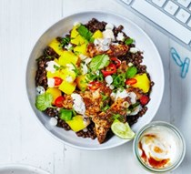 Jerk chicken & mango bowl