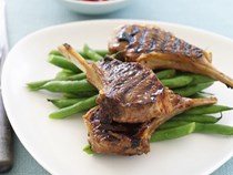 Lamb cutlets with plum marinade
