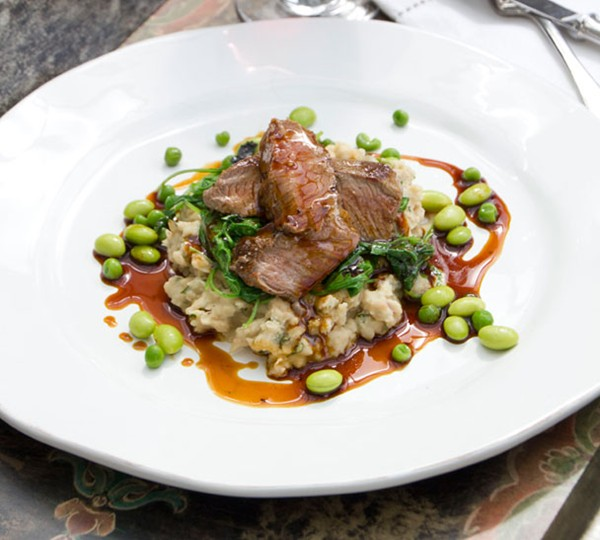 Lamb medallions with white bean purée