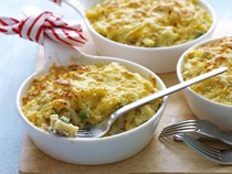 Lemon tuna Mornay with peas