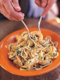 Linguine with shrimp scampi