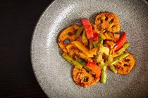 Lotus root with asparagus and peppers