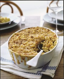 Macaroni and cheese with buttery crumbs [Grace Parisi]