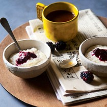Maple berry grits