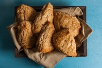 Maple-cashew scones