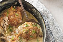 Milk-braised chicken legs with spiced rice