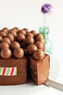 Mint chocolate 'Aero' cake