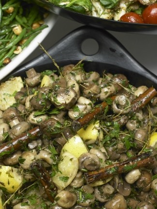Mixed mushrooms with cinnamon and lemon
