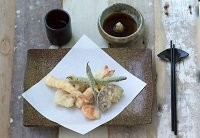 Mixed tempura with tempura dipping sauce