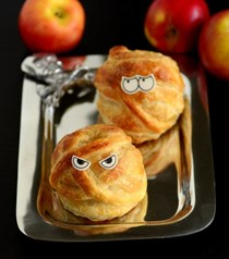 Mummy baked apples