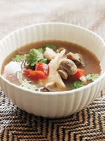 Mushroom-chicken tom yum soup