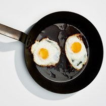 Olive oil-basted fried eggs