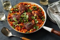 One-skillet chicken with tomato and turmeric rice
