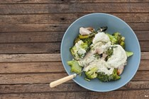 One tray chicken & broccoli with blue cheese dressing
