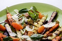 Pan-grilled carrots with Manchego, orange and pecans