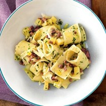 Pappardelle with prosciutto, potatoes and Parmigiano-Reggiano (Pappardelle con prosciutto, patate e Parmigiano-Reggiano)