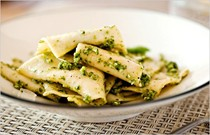 Pasta handkerchiefs (fazzoletti) with chunky pesto