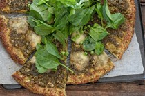 Pea and pesto pizza