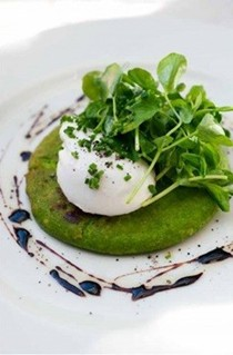 Pea pancakes & poached egg with balsamic syrup
