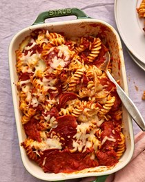 Pepperoni pizza baked pasta