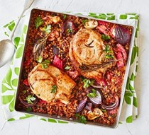 Pork chops with rhubarb and grains