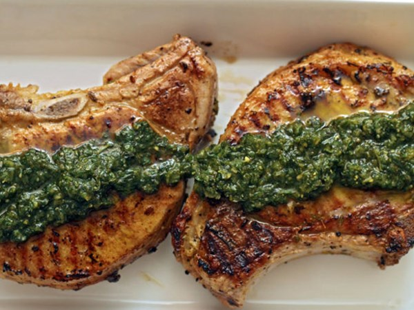 Pork chops with thyme, lemon and pesto