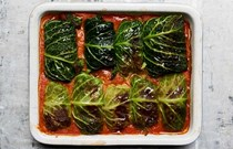 Pork-stuffed cabbage (Golabki)