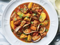 Portuguese braised pork and clams (Porco à Alentejana)
