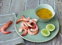 Prawns with mango dipping sauce