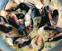 Québécois mussel chowder with cod and cider