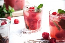 Raspberry, Prosecco & mint cocktail