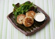 Redfish and potato cakes with lemon mayo