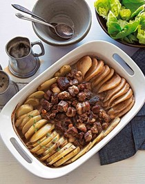 Roast pork, potatoes and pears