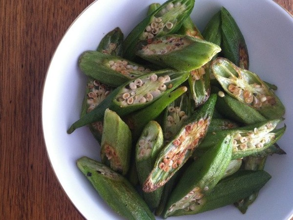 Roasted okra chips